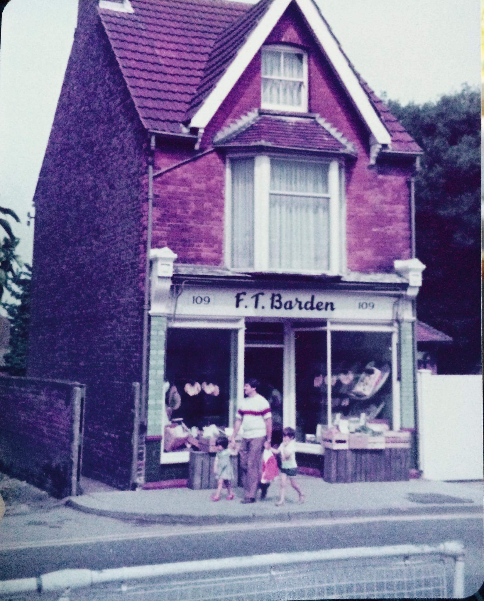 FT Barden Greengrocers Rainham 1979