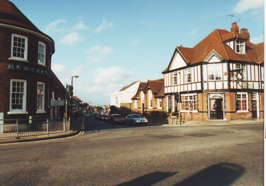 White Horse Pub & Barclays Bank Rainham Kent in 2001