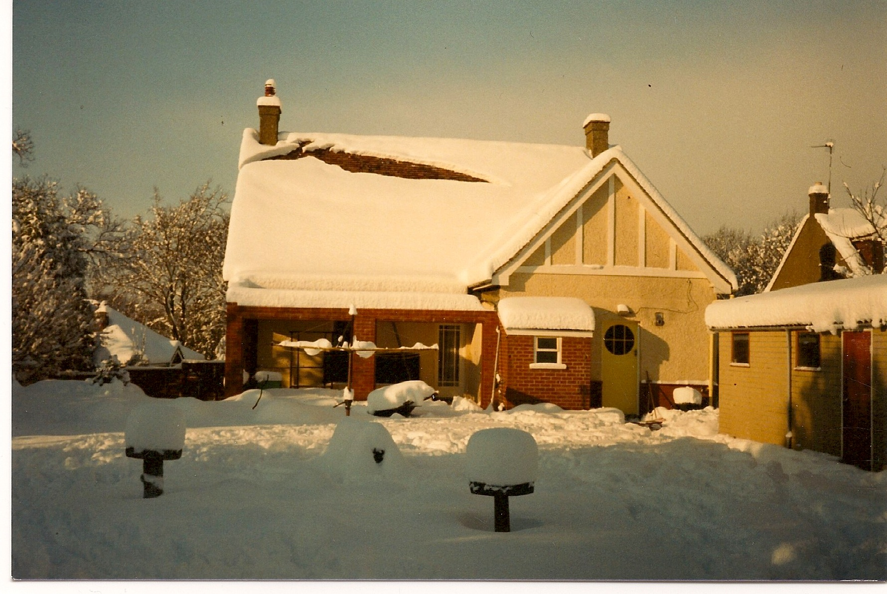 Snow at 27 Wigmore Road in 1987