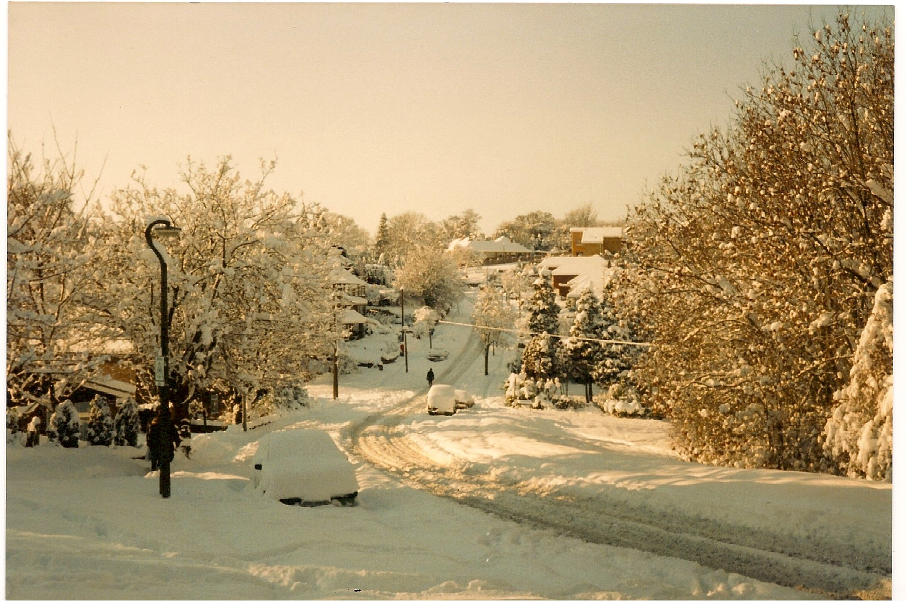 1987 Snow - Looking down Hempstead Hill towards Hempstead. Spekes Road to the left in the dip