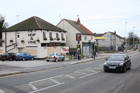 hop vine pub rainham mark belisha beacon